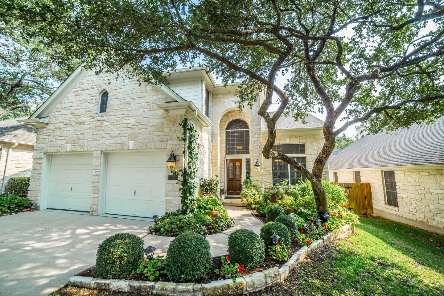 Single Family Home for Sale at Extraordinary Gated Enclave in Canyon Creek 11408 Sweet Basil Ct Austin, Texas 78726 United States