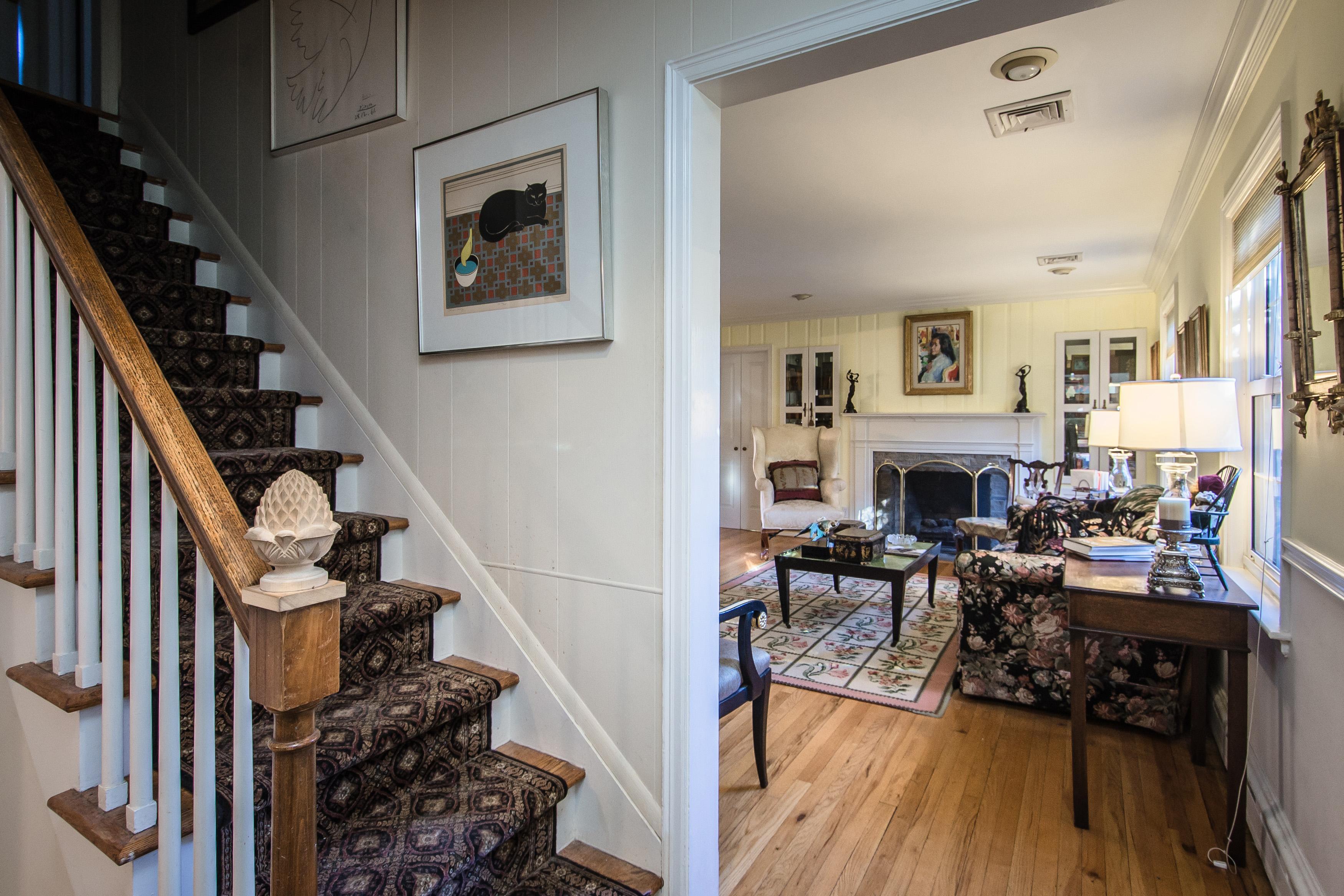 Villa per Vendita alle ore Cape 88 Dumbarton Dr Huntington, New York, 11743 Stati Uniti