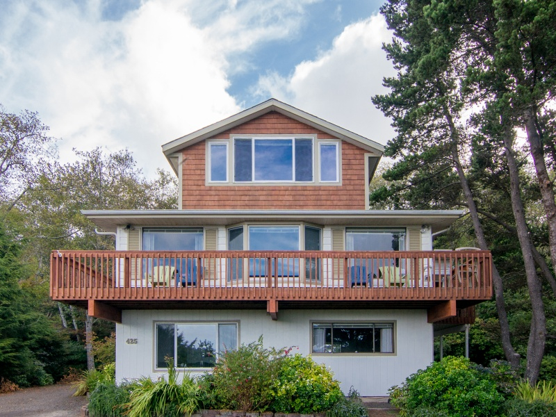 Single Family Home for Sale at 425 Yukon ST, CANNON BEACH Cannon Beach, Oregon, 97110 United States