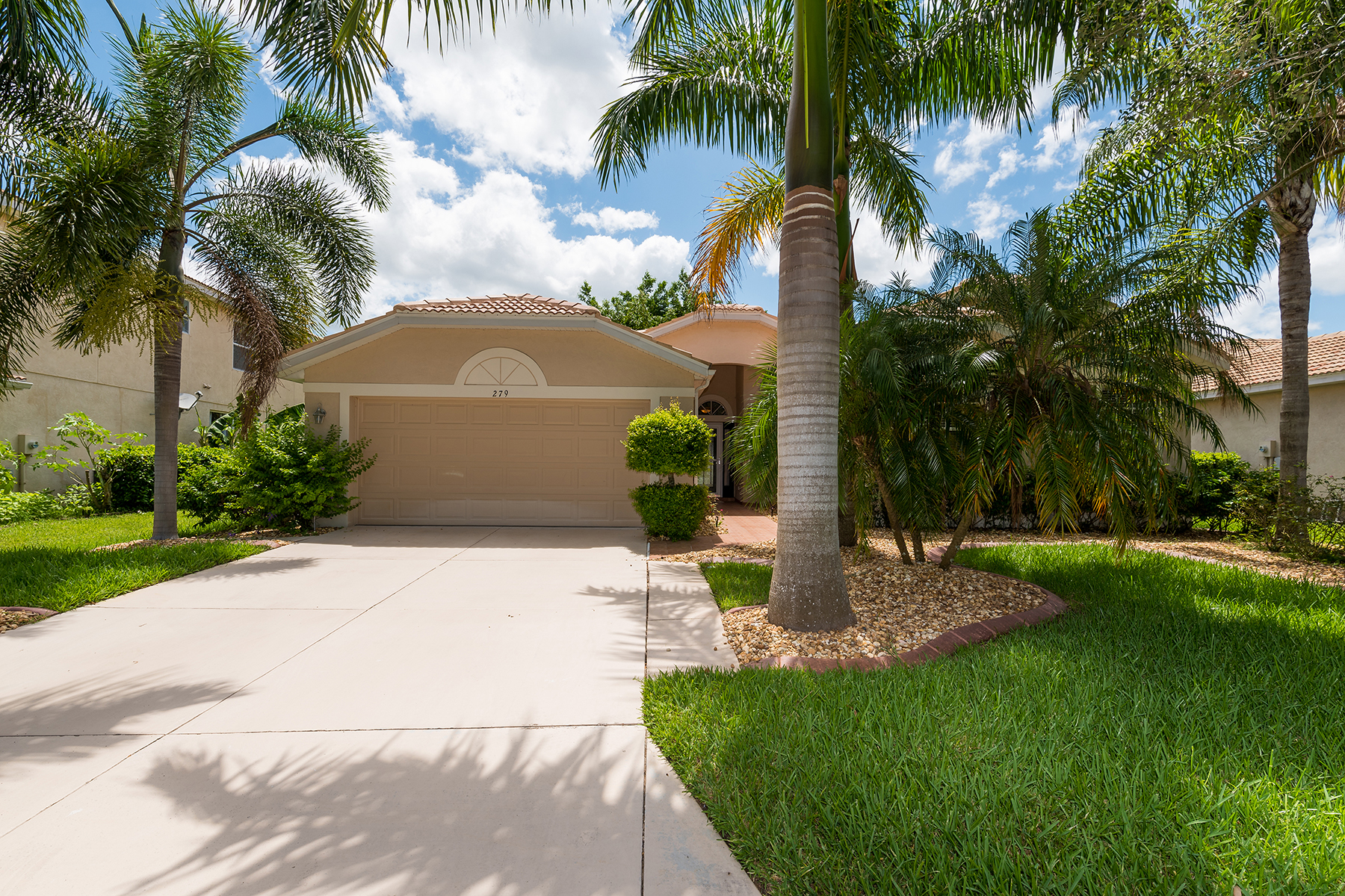 Single Family Home for Sale at STONEYBROOK AT HERITAGE HARBOR 279 Heritage Isles Way Bradenton, Florida, 34212 United States