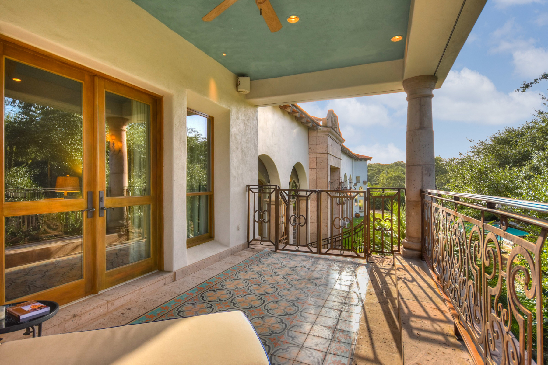 Additional photo for property listing at Serene Paradise in Greystone 1726 Greystone Rdg San Antonio, Texas 78258 Estados Unidos