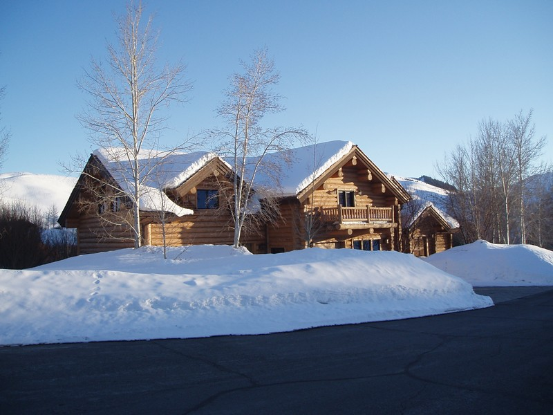 Additional photo for property listing at Waterfront Lodge-Style Sun Valley Home 104 Silver Queen Dr Sun Valley, Idaho 83353 United States