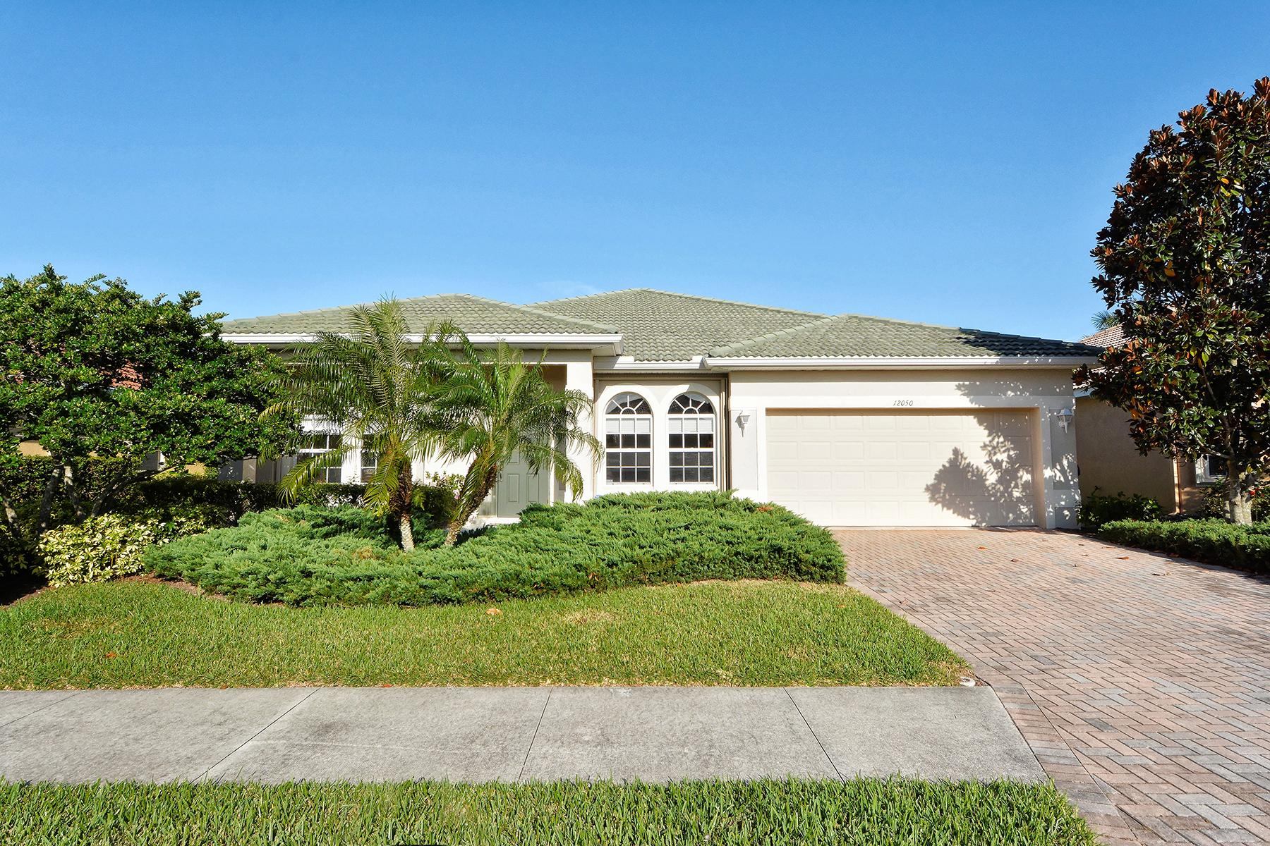 独户住宅 为 销售 在 STONEYBROOK AT VENICE 12050 Granite Woods Loop 威尼斯, 佛罗里达州, 34292 美国