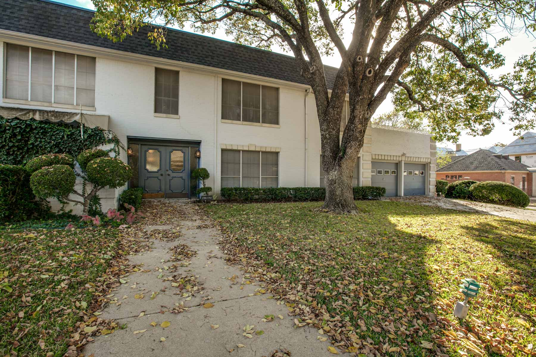 Condominium for Sale at 1711 Hulen Street, Fort Worth Fort Worth, Texas, 76107 United States