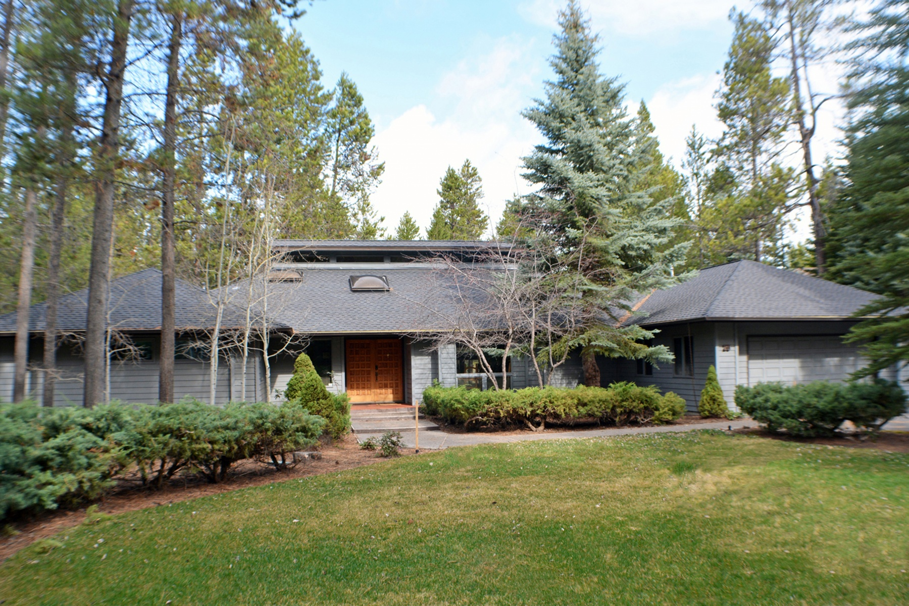 Single Family Home for Sale at 20 Siskin Lane, SUNRIVER 20 Siskin Ln Sunriver, Oregon, 97707 United States