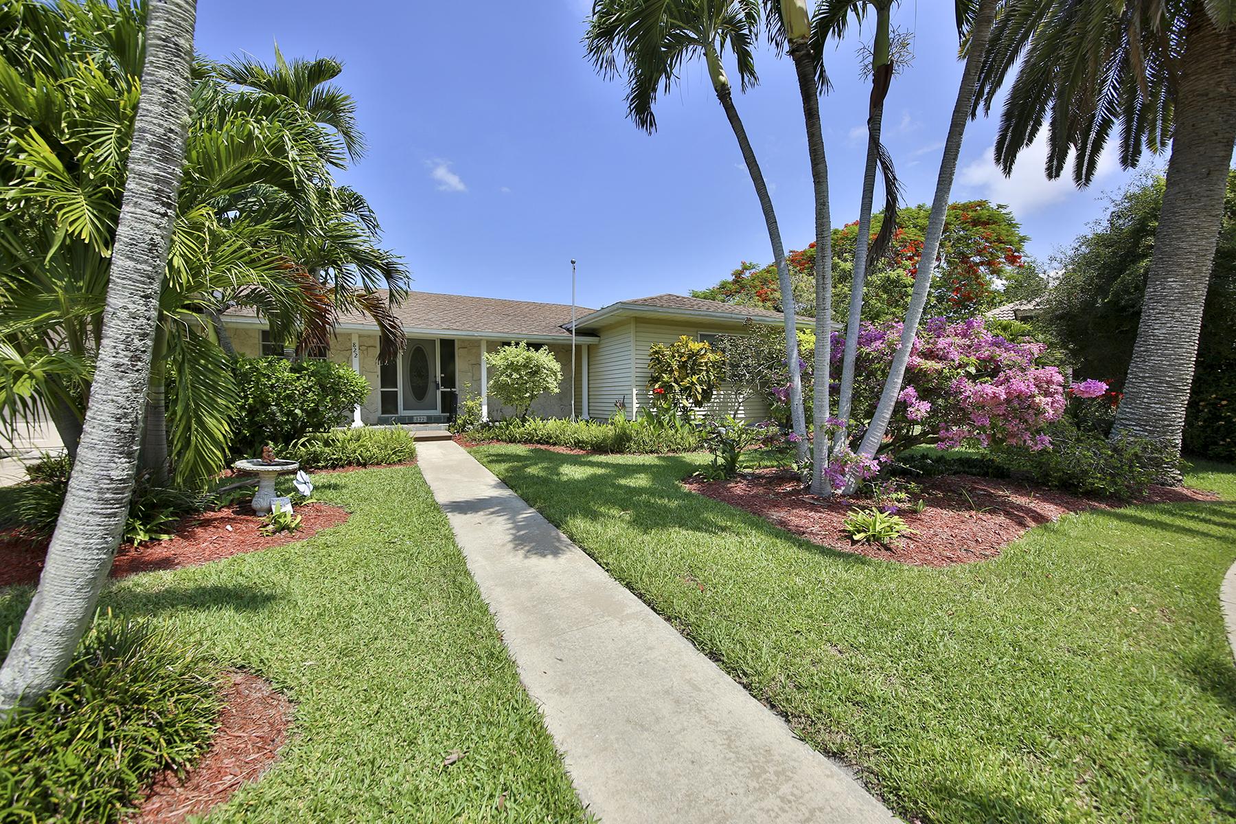 獨棟家庭住宅 為 出售 在 MARCO ISLAND - SATURN COURT 822 Saturn Ct Marco Island, 佛羅里達州 34145 美國