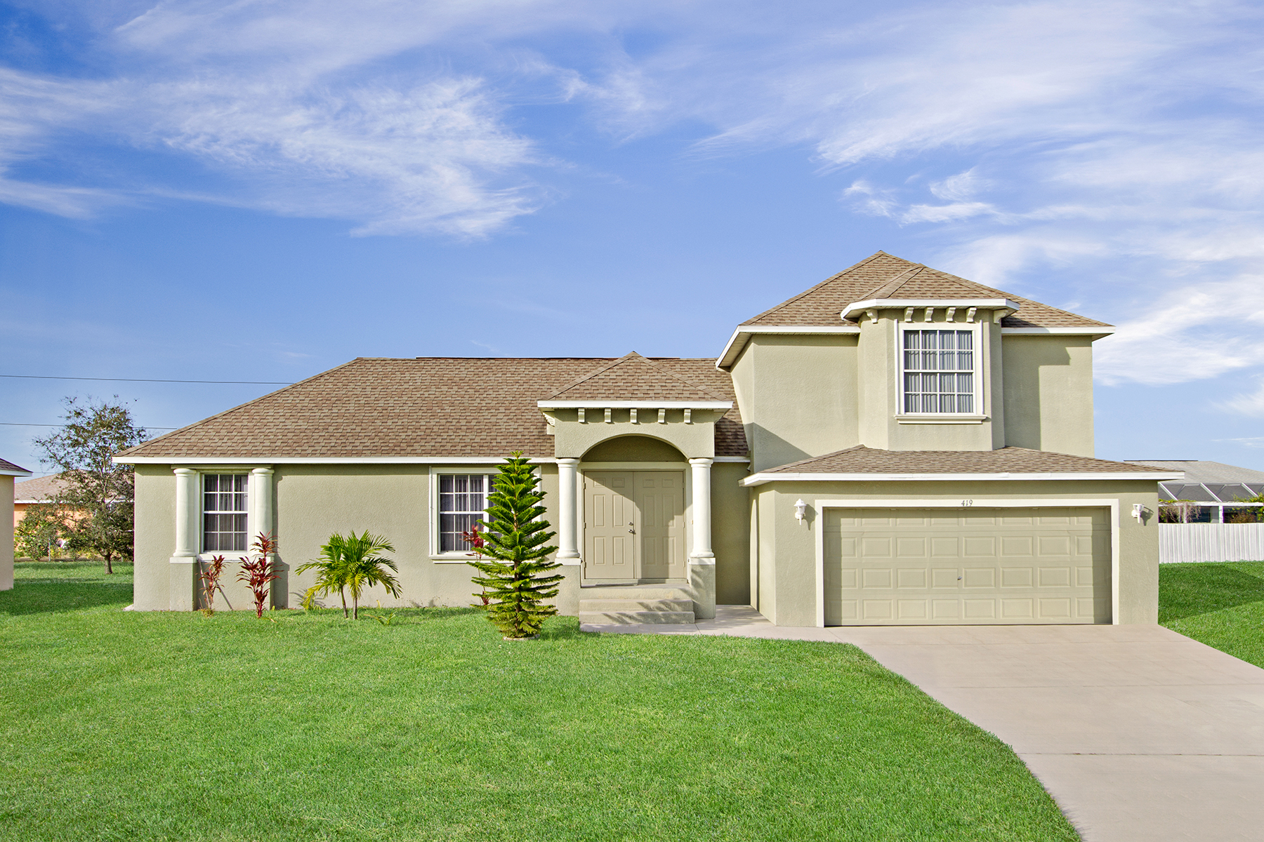 Single Family Home for Sale at CAPE CORAL 419 SE 15th Terr Cape Coral, Florida 33990 United States