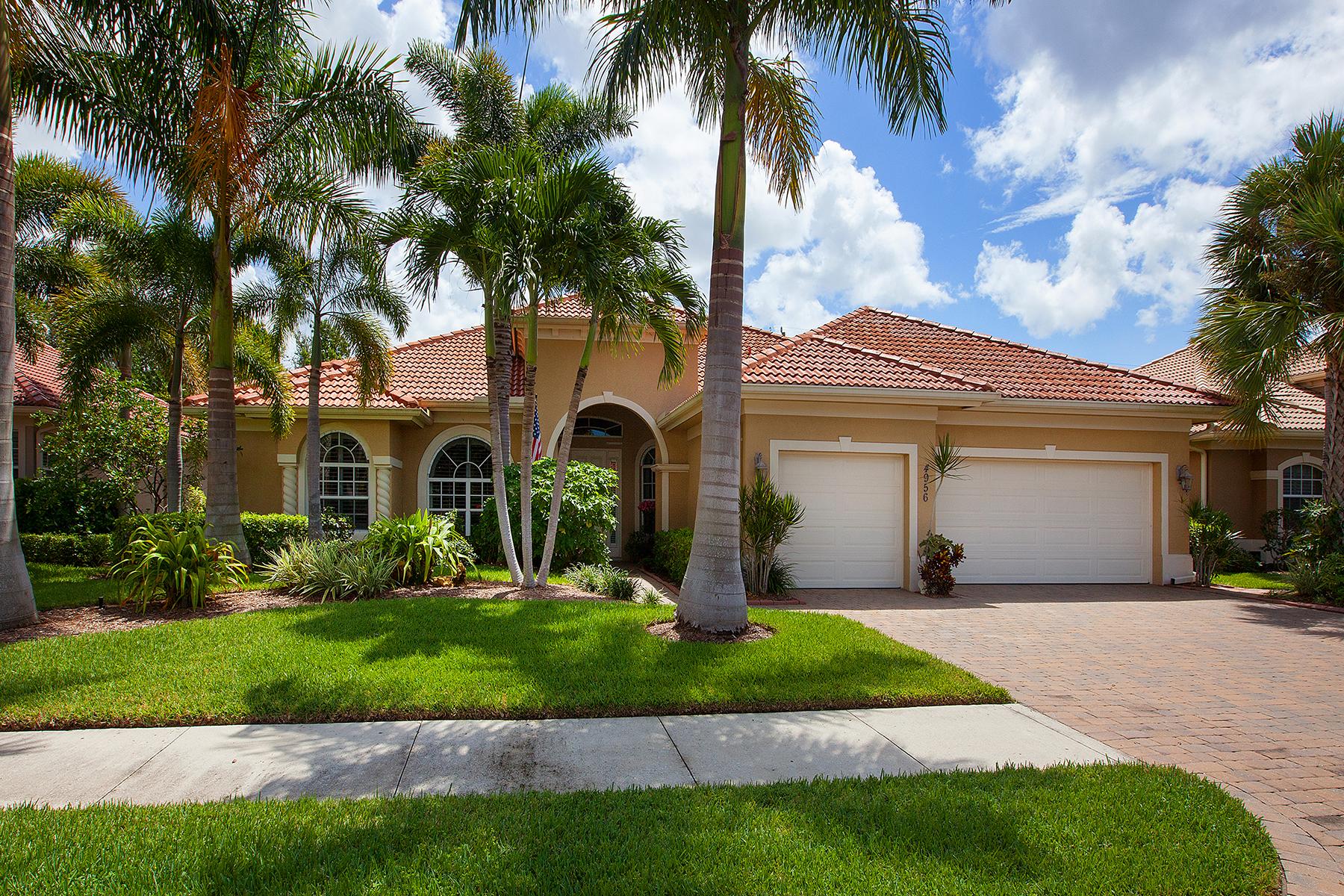 Частный односемейный дом для того Продажа на 4956 Rustic Oaks Cir , Naples, FL 34105 4956 Rustic Oaks Cir Naples, Флорида 34105 Соединенные Штаты