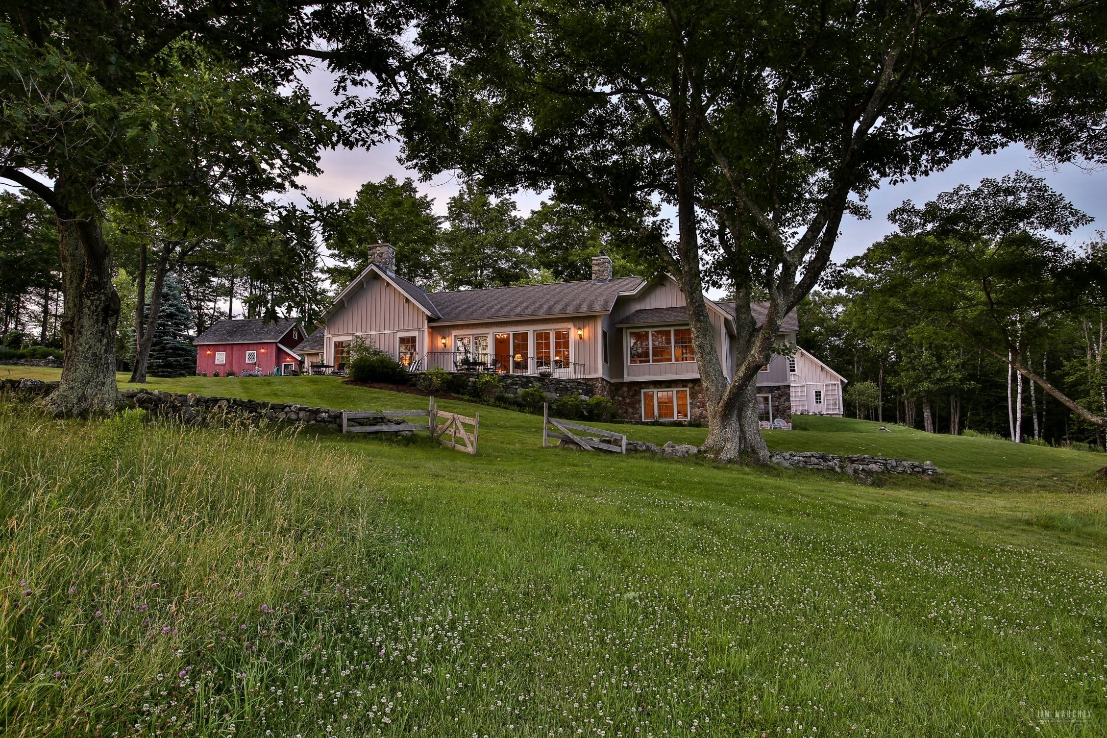 Maison unifamiliale pour l Vente à 398 Bradley Hill Road, Norwich 398 Bradley Hill Rd Norwich, Vermont, 05055 États-Unis