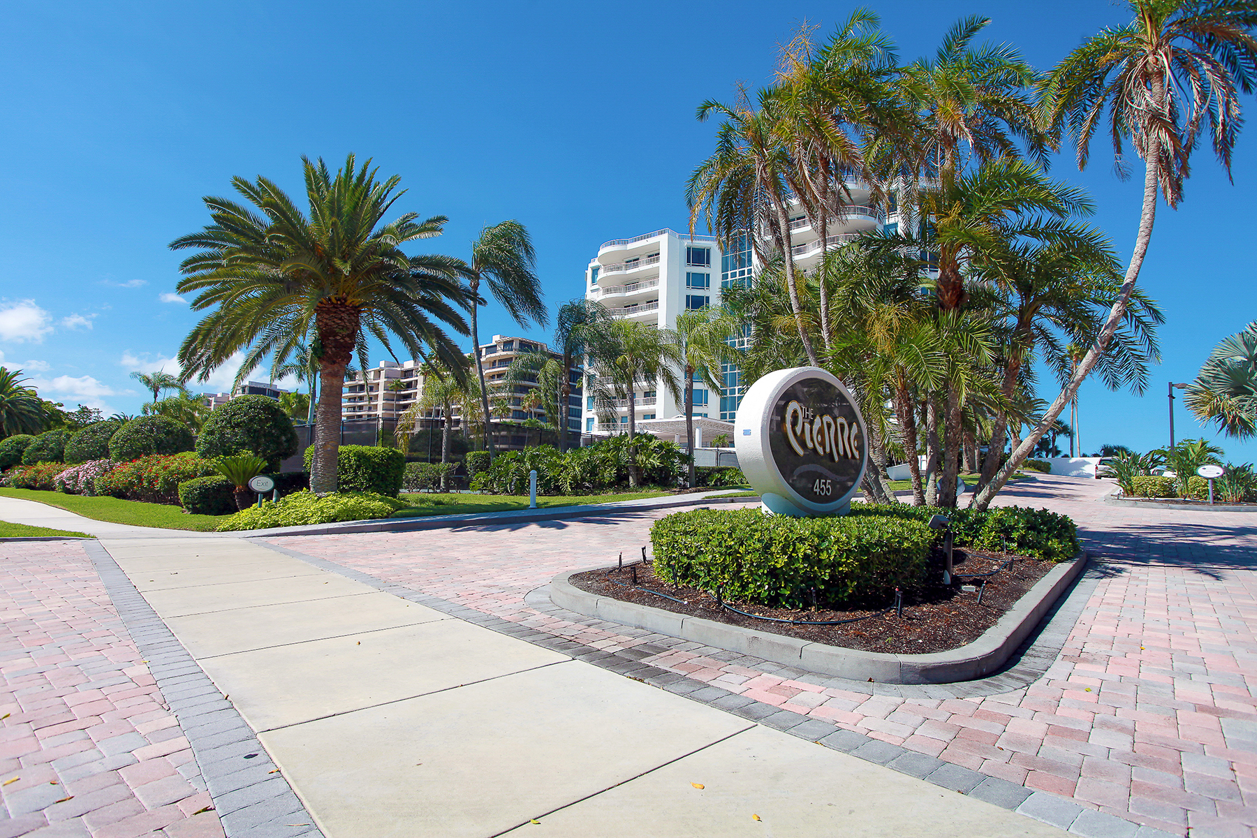 Property For Sale at LONGBOAT KEY CLUB