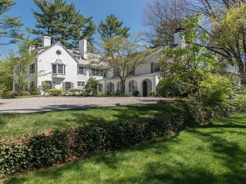 단독 가정 주택 용 매매 에 Estate 355 Wheatley Rd Old Westbury, 뉴욕, 11568 미국