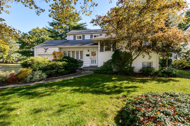 Single Family Home for Sale at Split 191 Wickham Rd Garden City, New York, 11530 United States