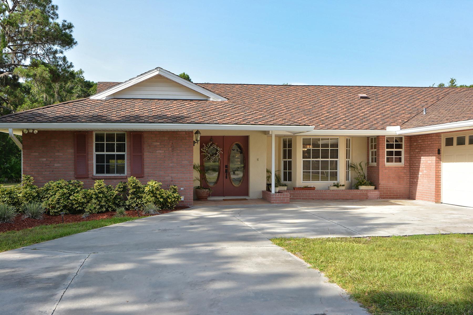 Частный односемейный дом для того Продажа на MISSION VALLEY ESTATES 770 Percheron Cir Nokomis, Флорида, 34275 Соединенные Штаты