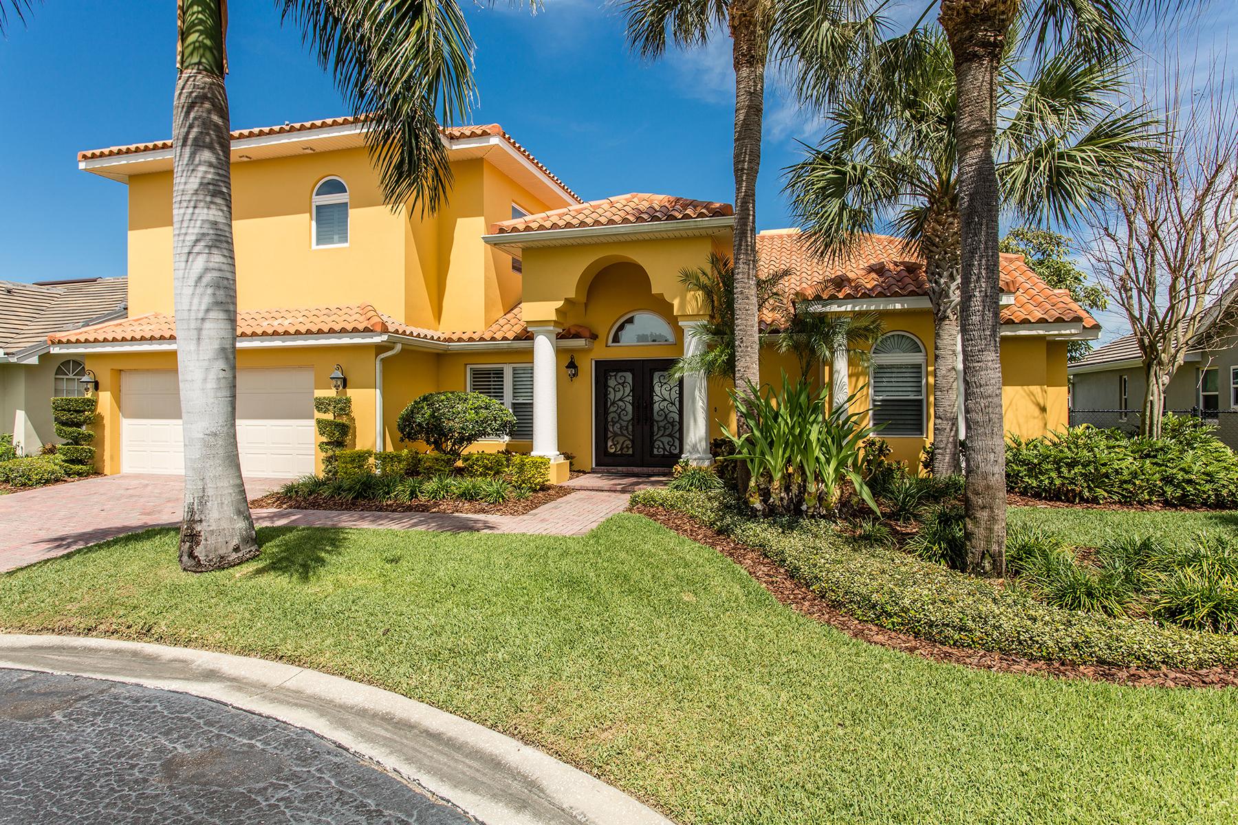 Maison unifamiliale pour l Vente à VENETIAN PLACE 4687 Alisa Cir NE St. Petersburg, Florida, 33703 États-Unis