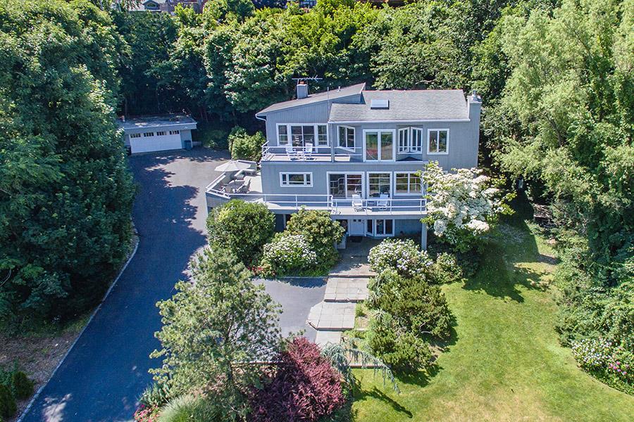 Casa Unifamiliar por un Venta en Contemporary 99 Crescent Beach Dr Huntington Bay, Nueva York, 11743 Estados Unidos
