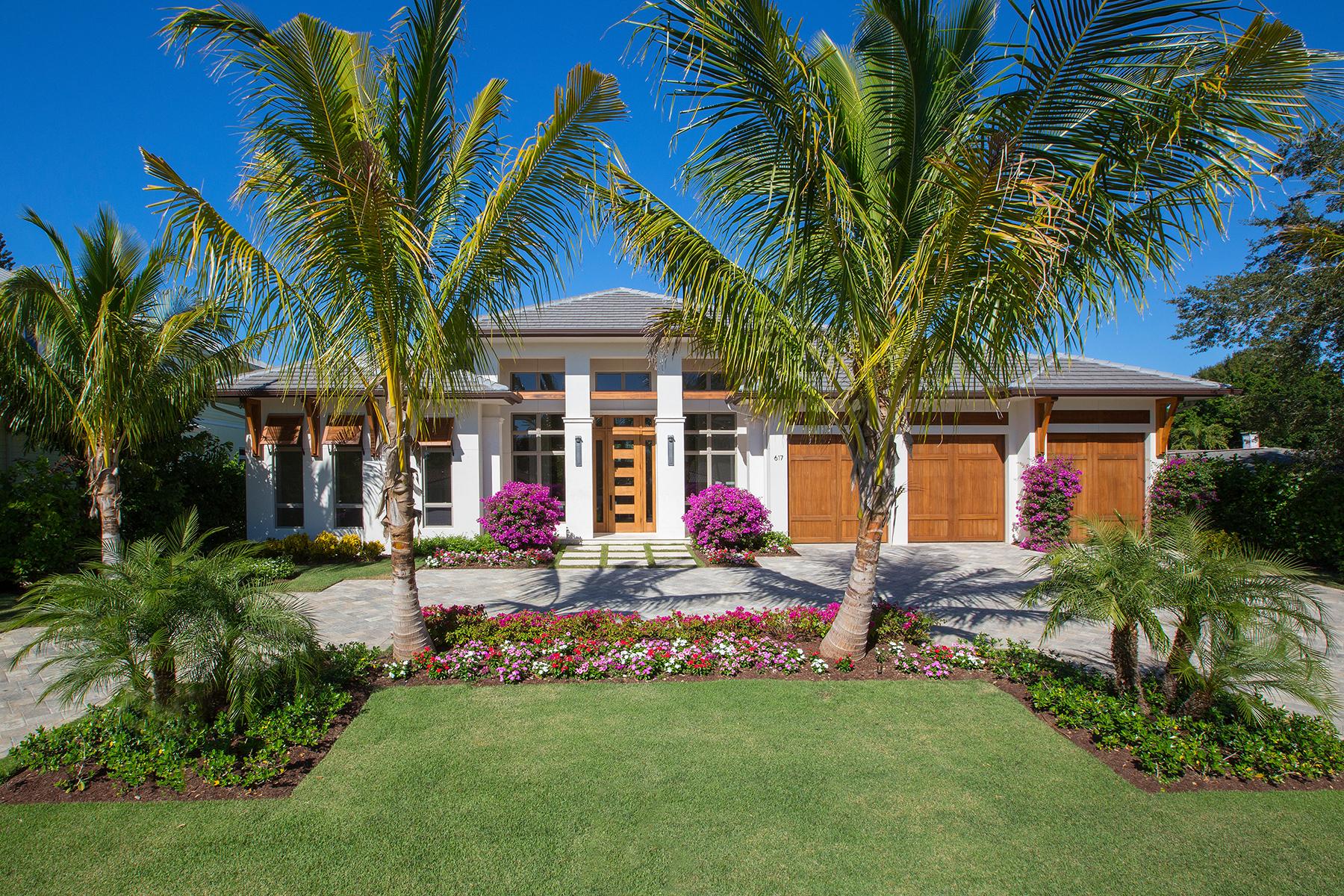 단독 가정 주택 용 매매 에 MOORINGS 617 Binnacle Dr Naples, 플로리다, 34103 미국
