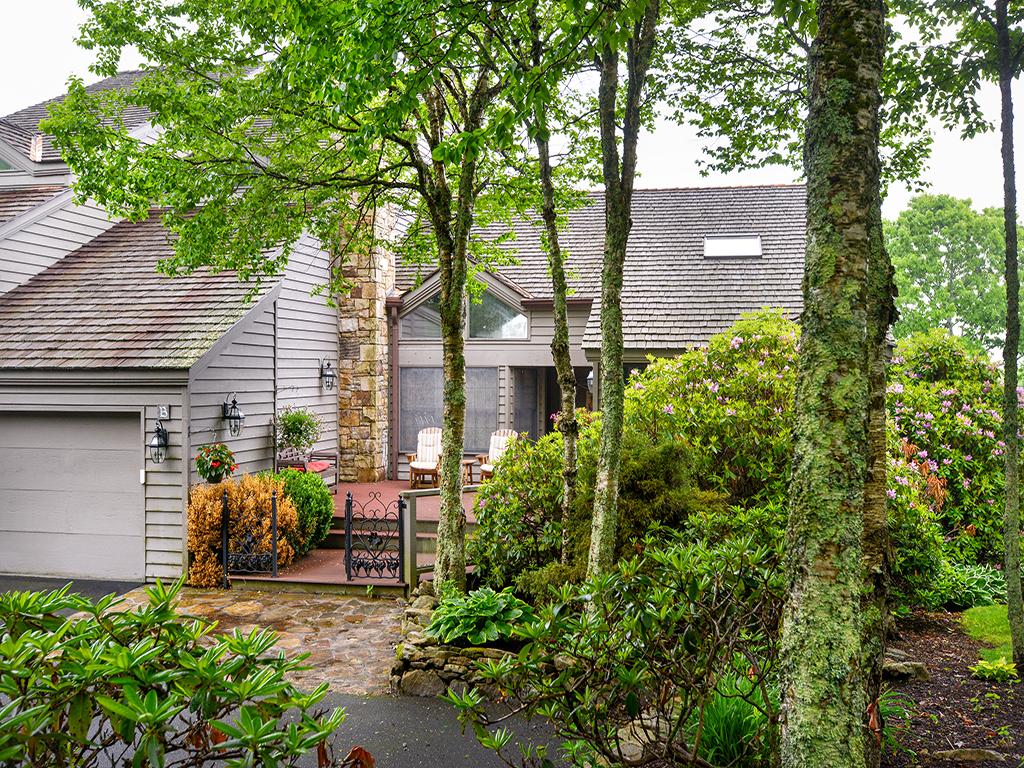 Appartement en copropriété pour l Vente à LINVILLE RIDGE 902 Crest Lane Linville, Carolina Du Nord 28646 États-Unis