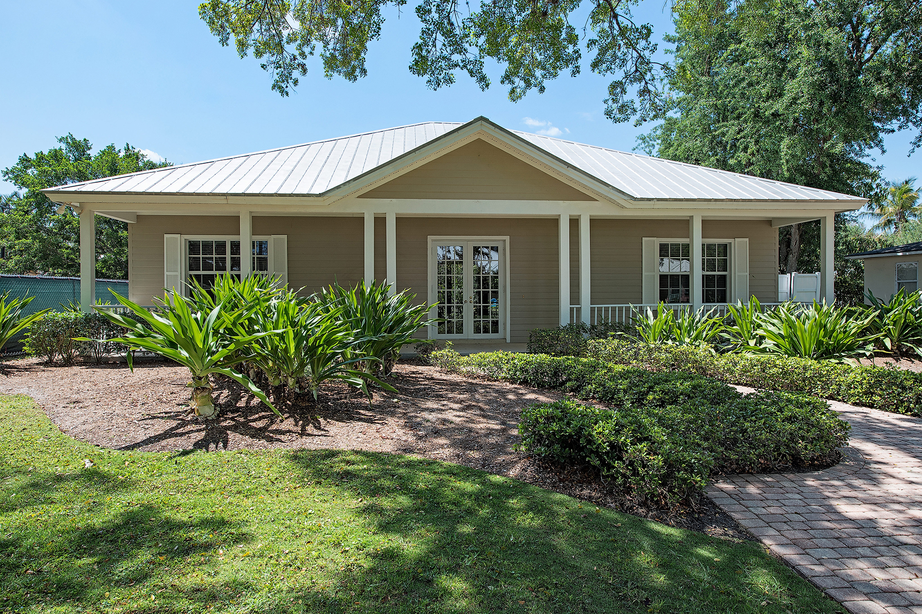 Single Family Home for Sale at OLDE NAPLES 430 2nd Ave N Naples, Florida, 34102 United States