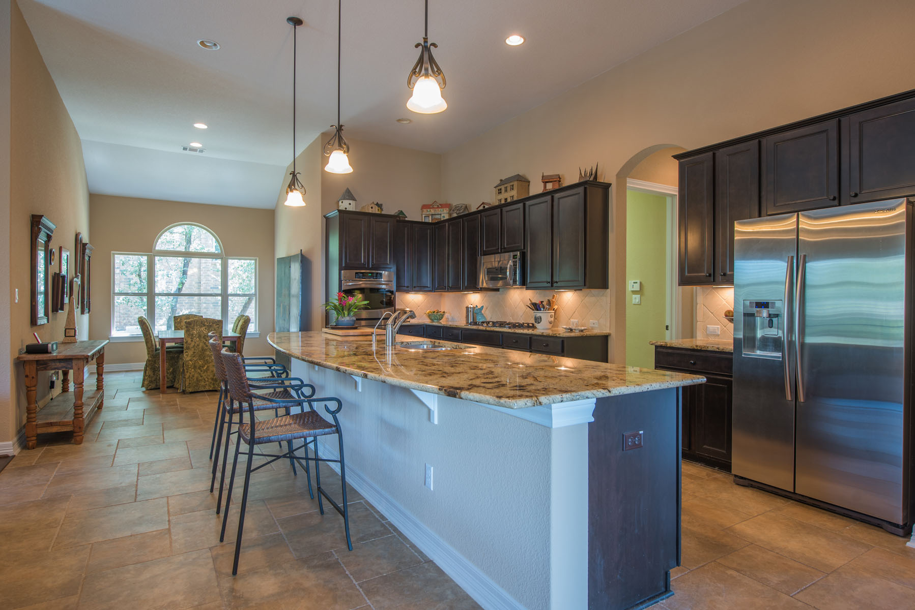 Additional photo for property listing at Open Floor Plan on a Corner Lot 16201 Maritime Alps Way Bee Cave, Texas 78738 United States
