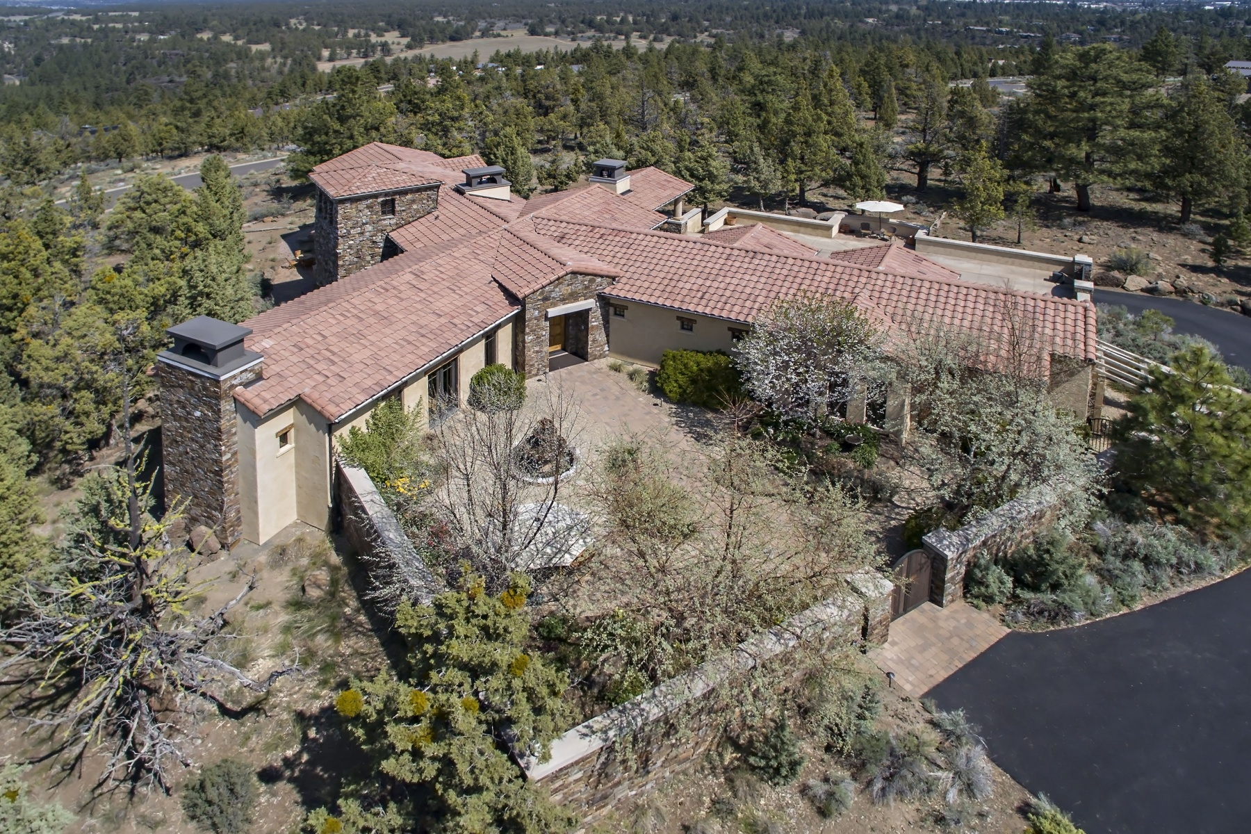 sales property at North Rim on Awbrey Butte