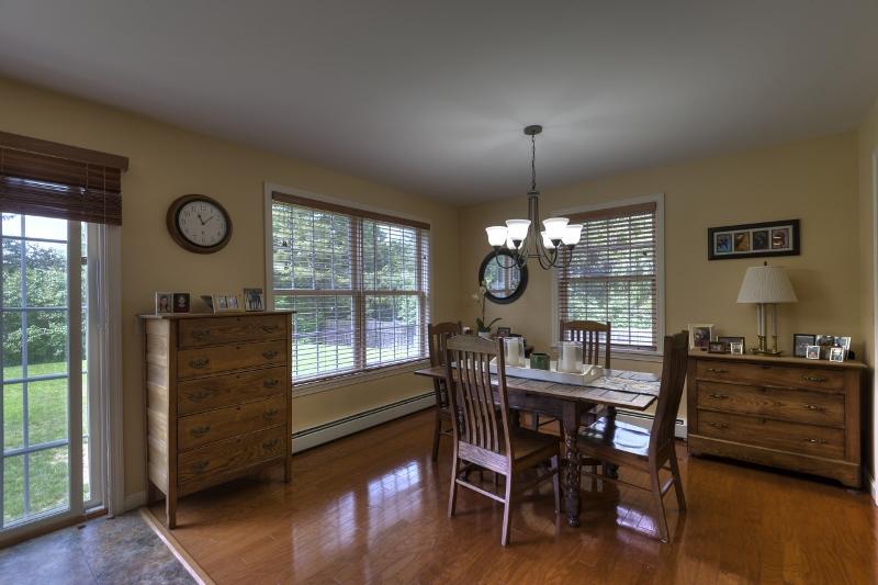 Villa per Vendita alle ore 375 Little Sunapee Road, New London 375 Little Sunapee Rd New London, New Hampshire 03257 Stati Uniti