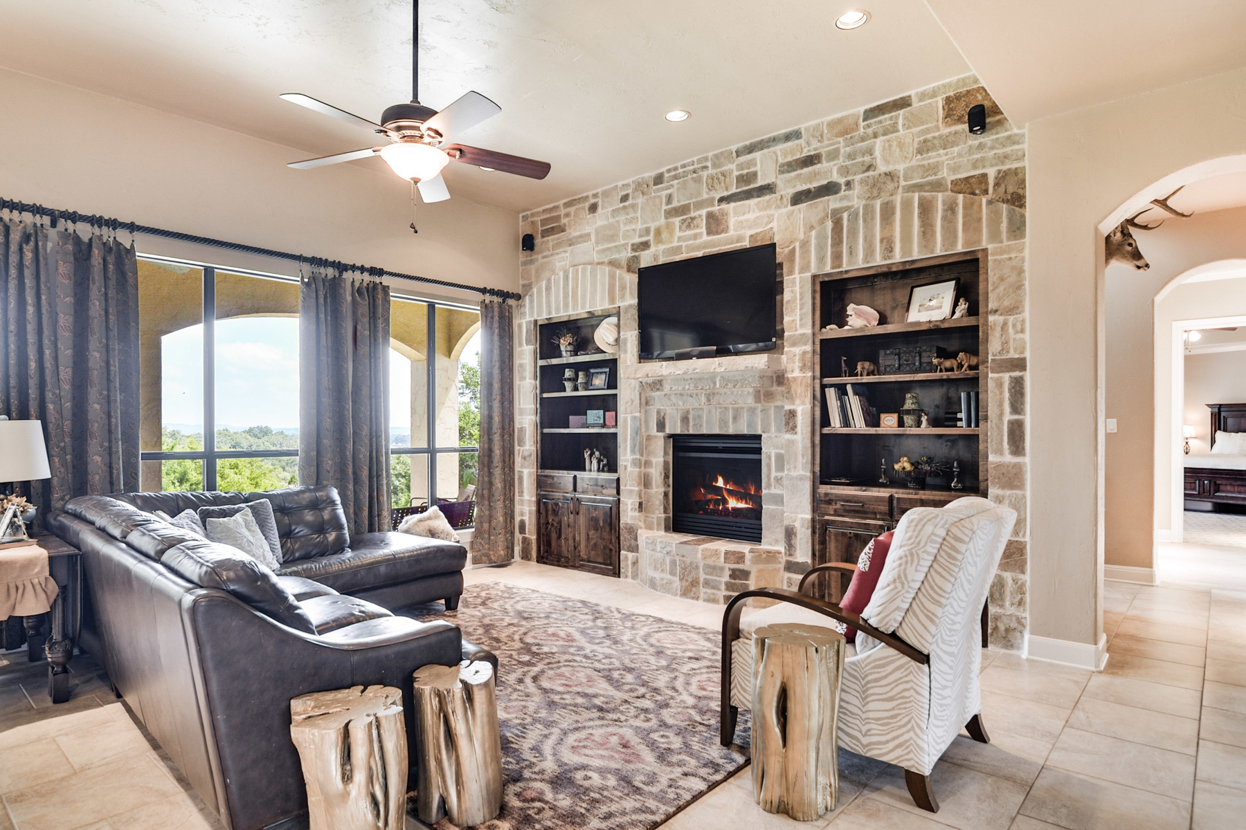 Additional photo for property listing at Fabulous Mediterranean Home in Menger Springs 108 Cabin Springs Boerne, Texas 78006 United States