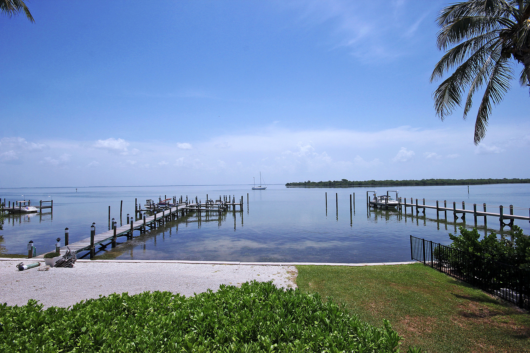 Townhouse for Sale at Captiva 15221 Captiva Dr Unit 1B Captiva, Florida 33924 United States