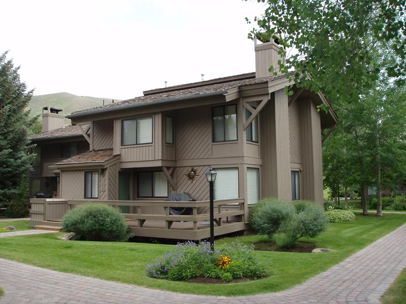 Condominium for Sale at Location Near Sun Valley Village 1252 Villager Condo Sun Valley, Idaho, 83353 United States