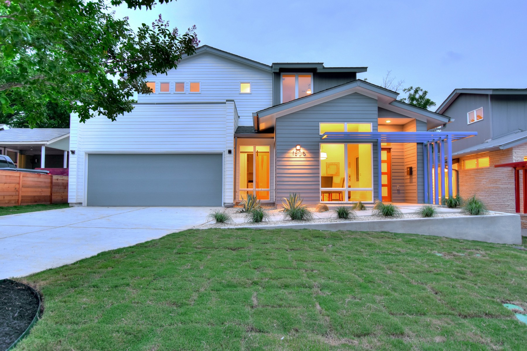 Nhà ở một gia đình vì Bán tại New Construction in the heart of Zilker 1806 Frazier Ave Austin, Texas, 78704 Hoa Kỳ