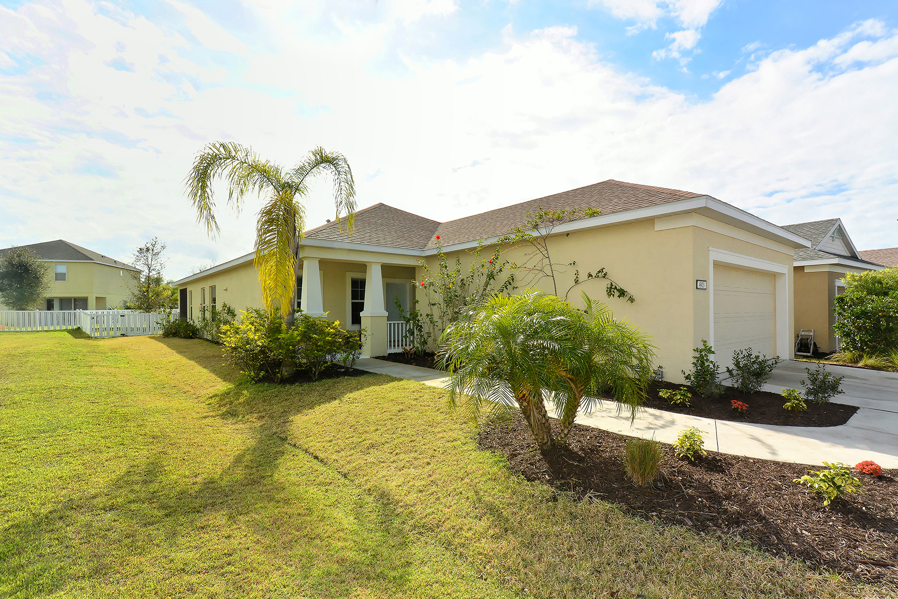 Single Family Home for Sale at CENTRAL PARK 4903 Boston Common Bradenton, Florida, 34211 United States