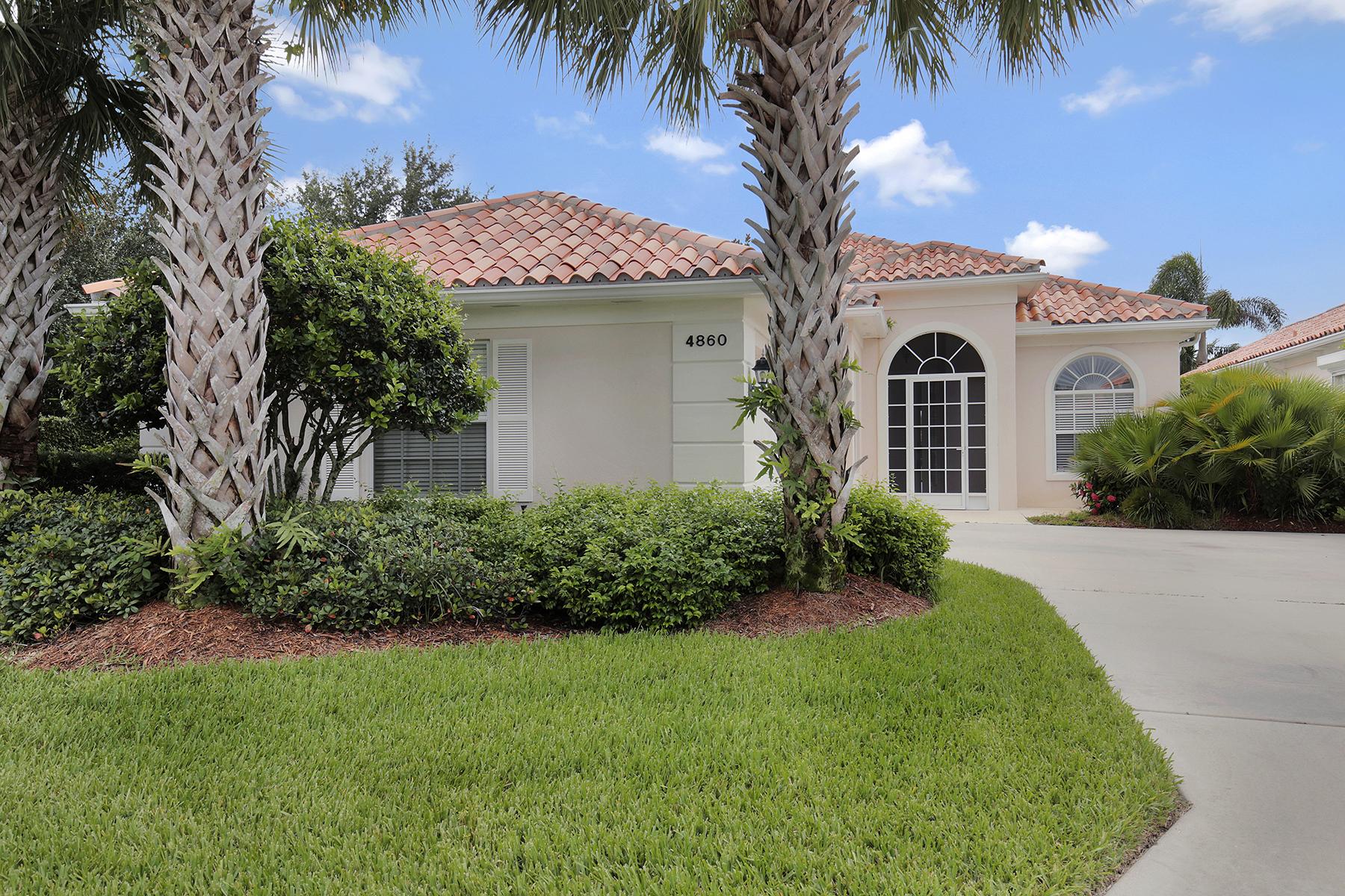 Частный односемейный дом для того Продажа на VILLAGE WALK 4860 San Pablo Ct Naples, Флорида 34109 Соединенные Штаты