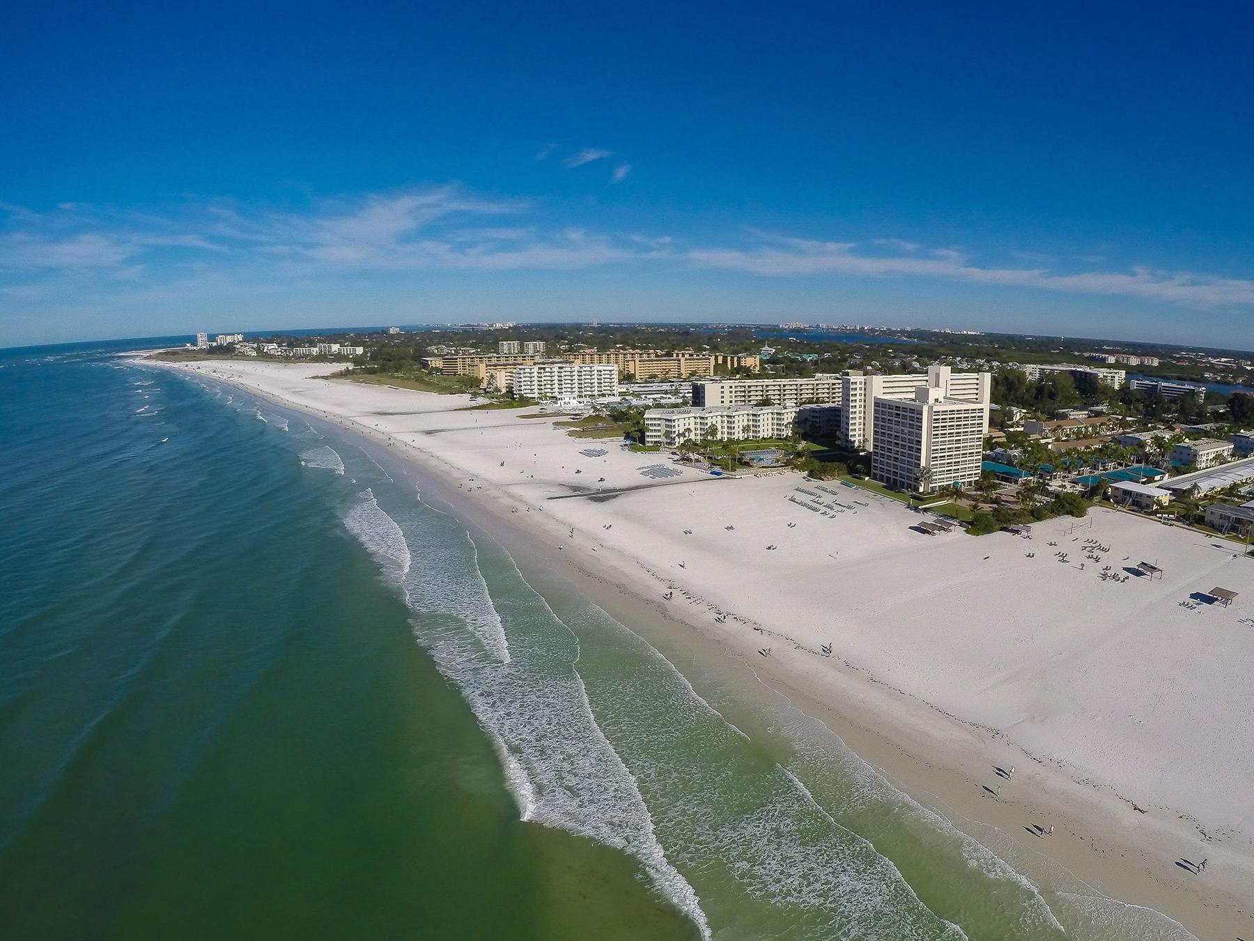Condominio por un Alquiler en SARASOTA - THE BOATYARD 1546 Stickney Point Rd 501 Sarasota, Florida 34231 Estados Unidos