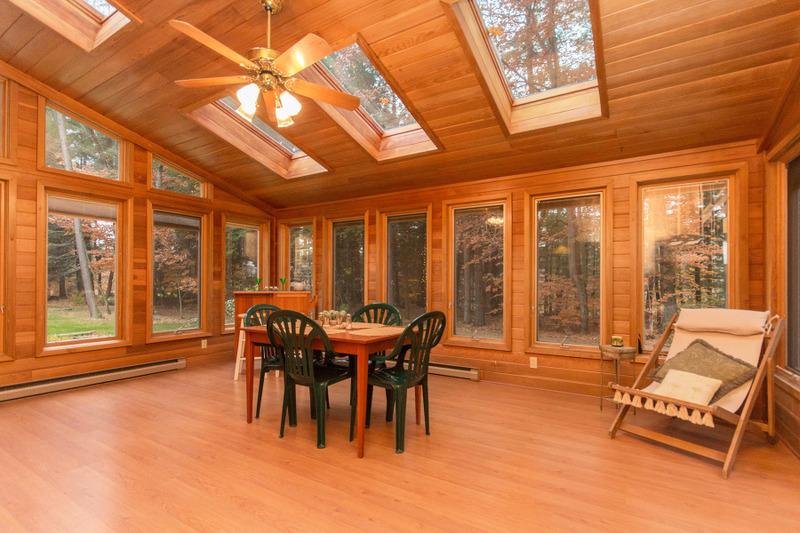 Additional photo for property listing at Burnt Hills Four Bedroom in a Quiet Neighborhood 44  Velina Dr Burnt Hills, Nueva York 12027 Estados Unidos