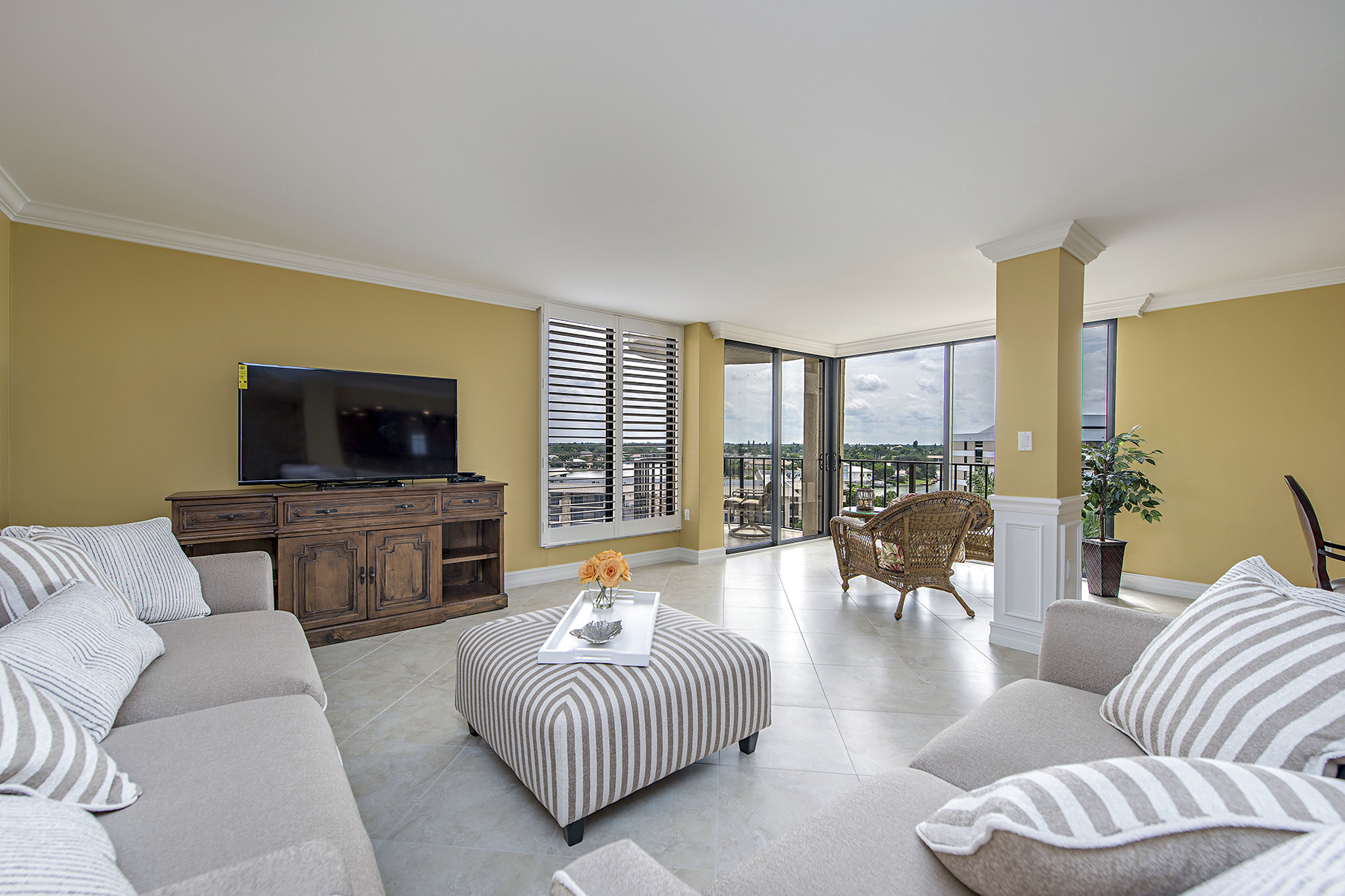 Condominium for Sale at THE MOORINGS - LAUSANNE 3215 Gulf Shore Blvd N 601N Naples, Florida 34103 United States
