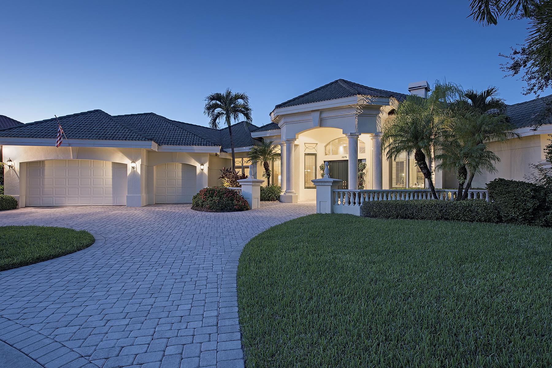 獨棟家庭住宅 為 出售 在 PELICAN MARSH - MARSH LINKS 1676 Persimmon Dr Naples, 佛羅里達州 34109 美國
