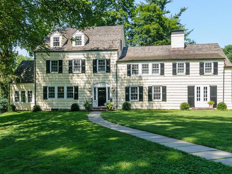 Villa per Vendita alle ore Colonial Mill Neck, New York 11765 Stati Uniti