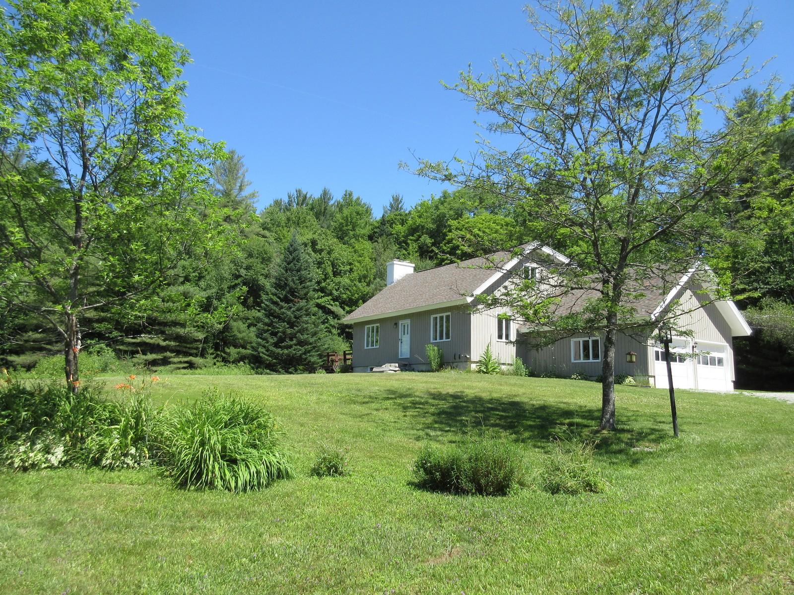 独户住宅 为 销售 在 1561 Vermont Route 11, Londonderry 伦敦德里郡, 佛蒙特州, 05148 美国