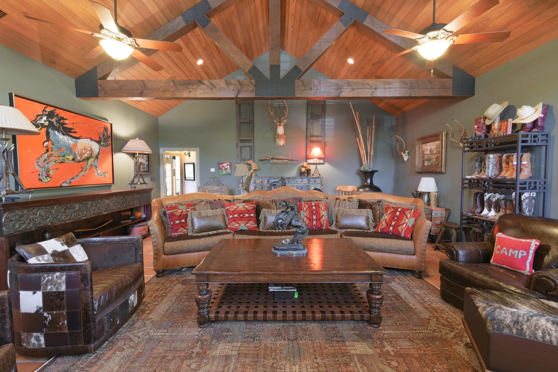 Additional photo for property listing at Breathtaking Gem in The Highlands 9 Braeburn Ct Bulverde, Texas 78163 Estados Unidos