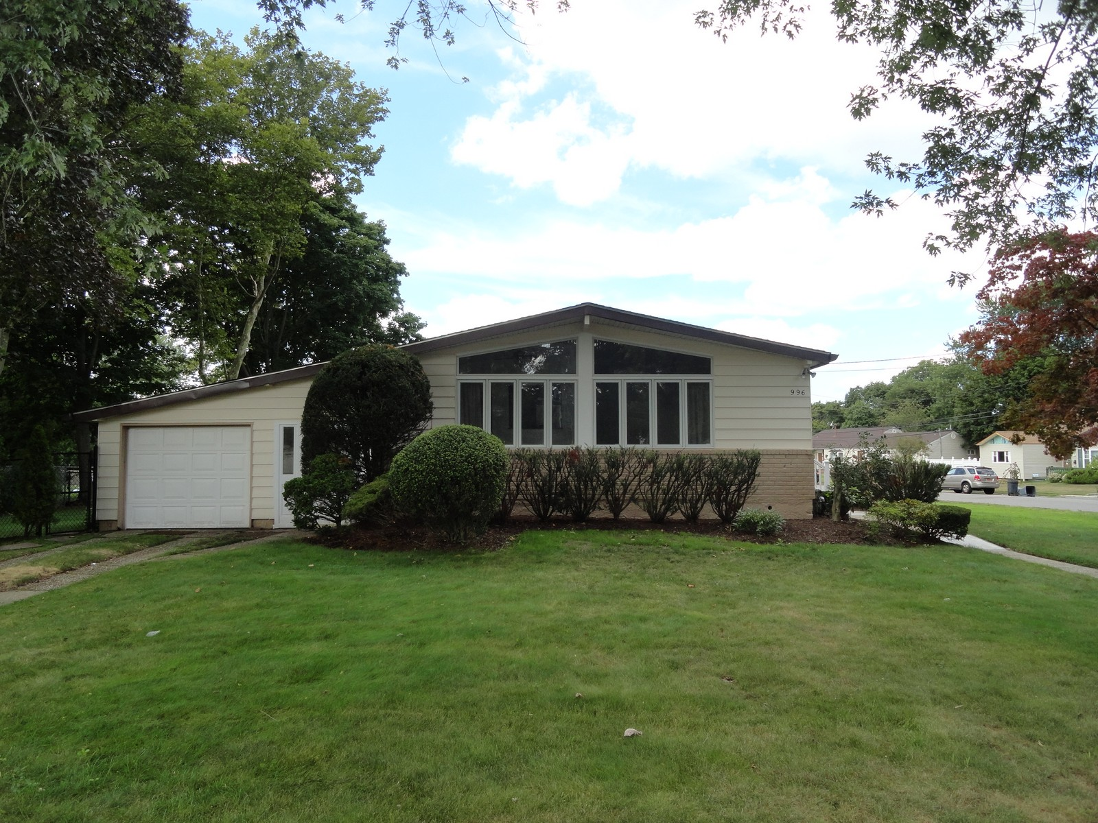 단독 가정 주택 용 매매 에 Ranch 2 Strathmore Dr North Babylon, 뉴욕 11703 미국