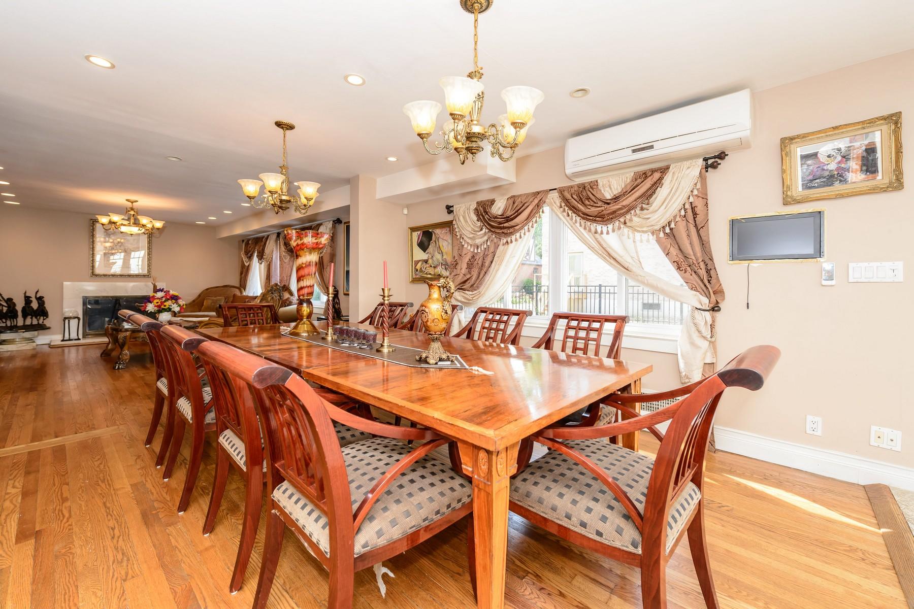 獨棟家庭住宅 為 出售 在 Exp Cape 213-10 86th Ave Queens Village, 紐約州, 11427 美國