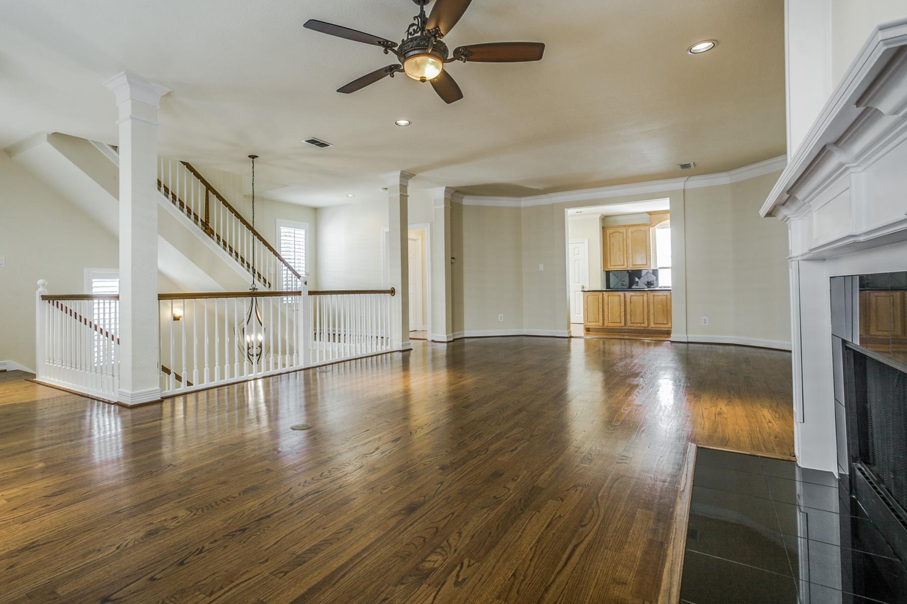 Stadthaus für Verkauf beim 2704 Welborn Street D, DALLAS 2704 Welborn St D Dallas, Texas, 75219 Vereinigte Staaten