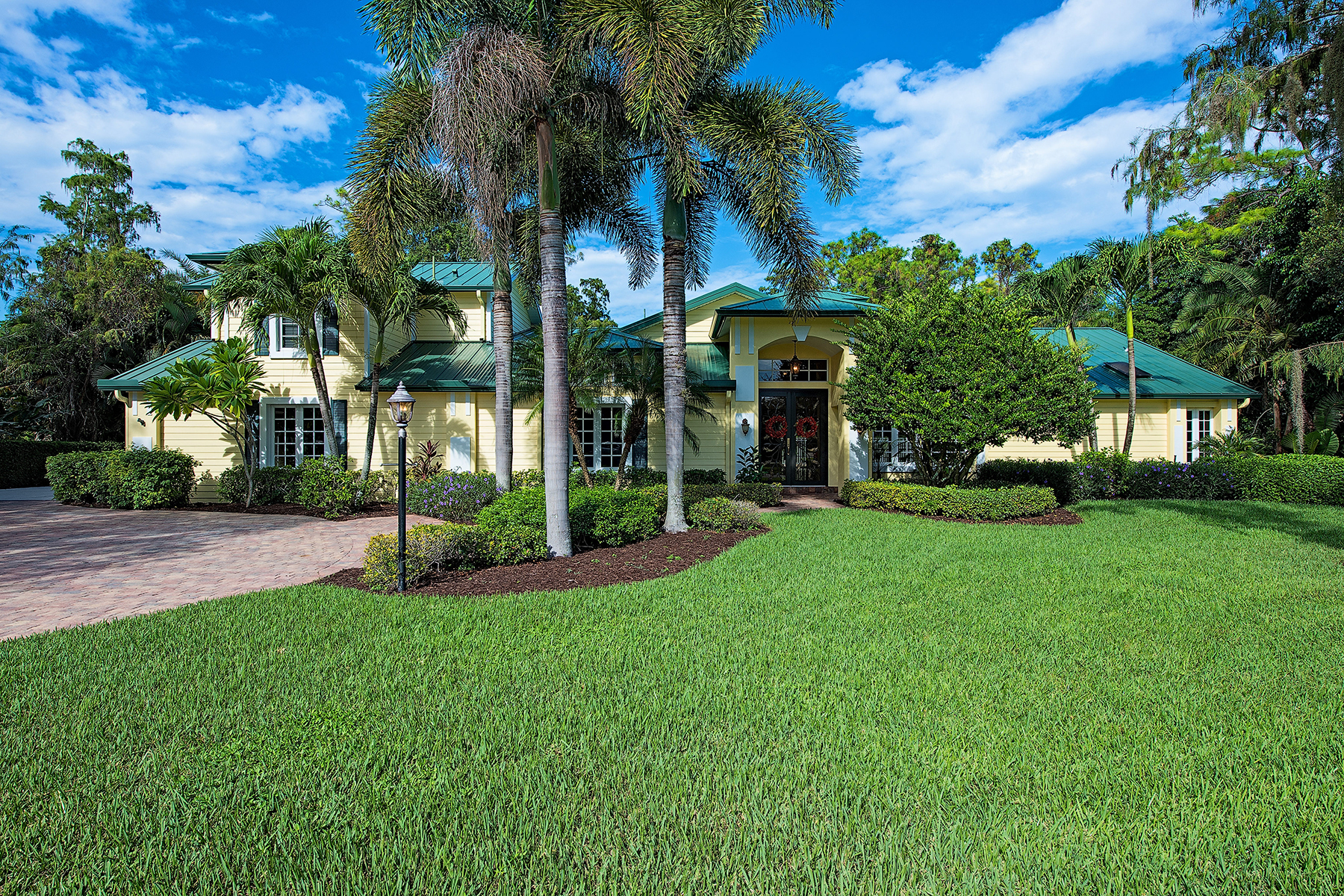 Single Family Home for Sale at QUAIL CREEK 13001 White Violet Dr Naples, Florida, 34119 United States