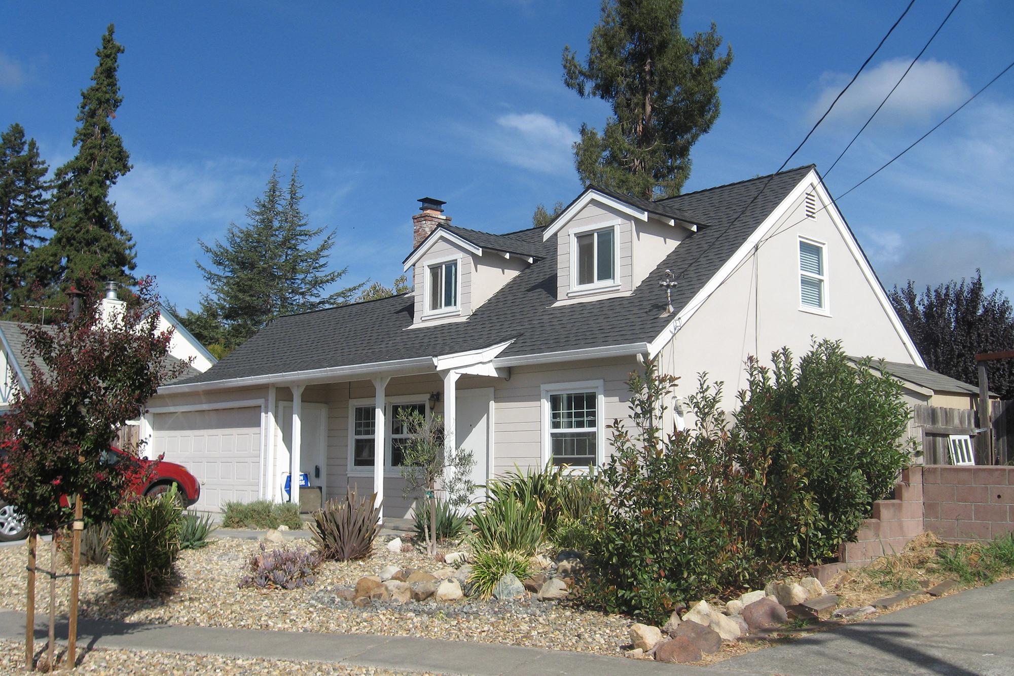 Casa para uma família para Venda às 2510 Indiana St, Napa, CA 94558 2510 Indiana St Napa, Califórnia 94558 Estados Unidos