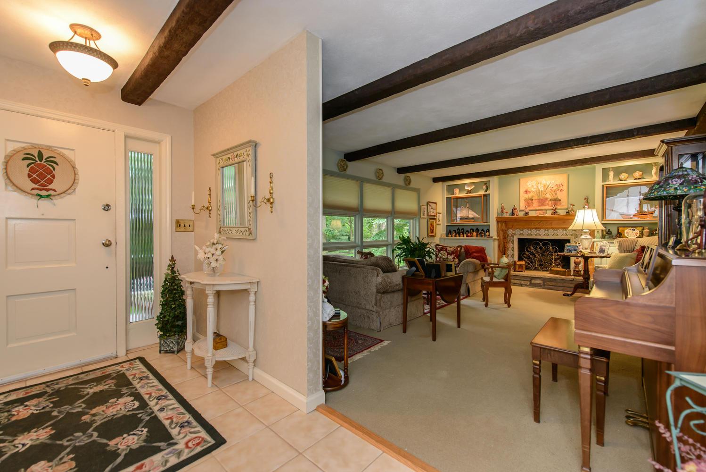 Casa para uma família para Venda às Split 882 Valley Rd Mill Neck, Nova York 11765 Estados Unidos