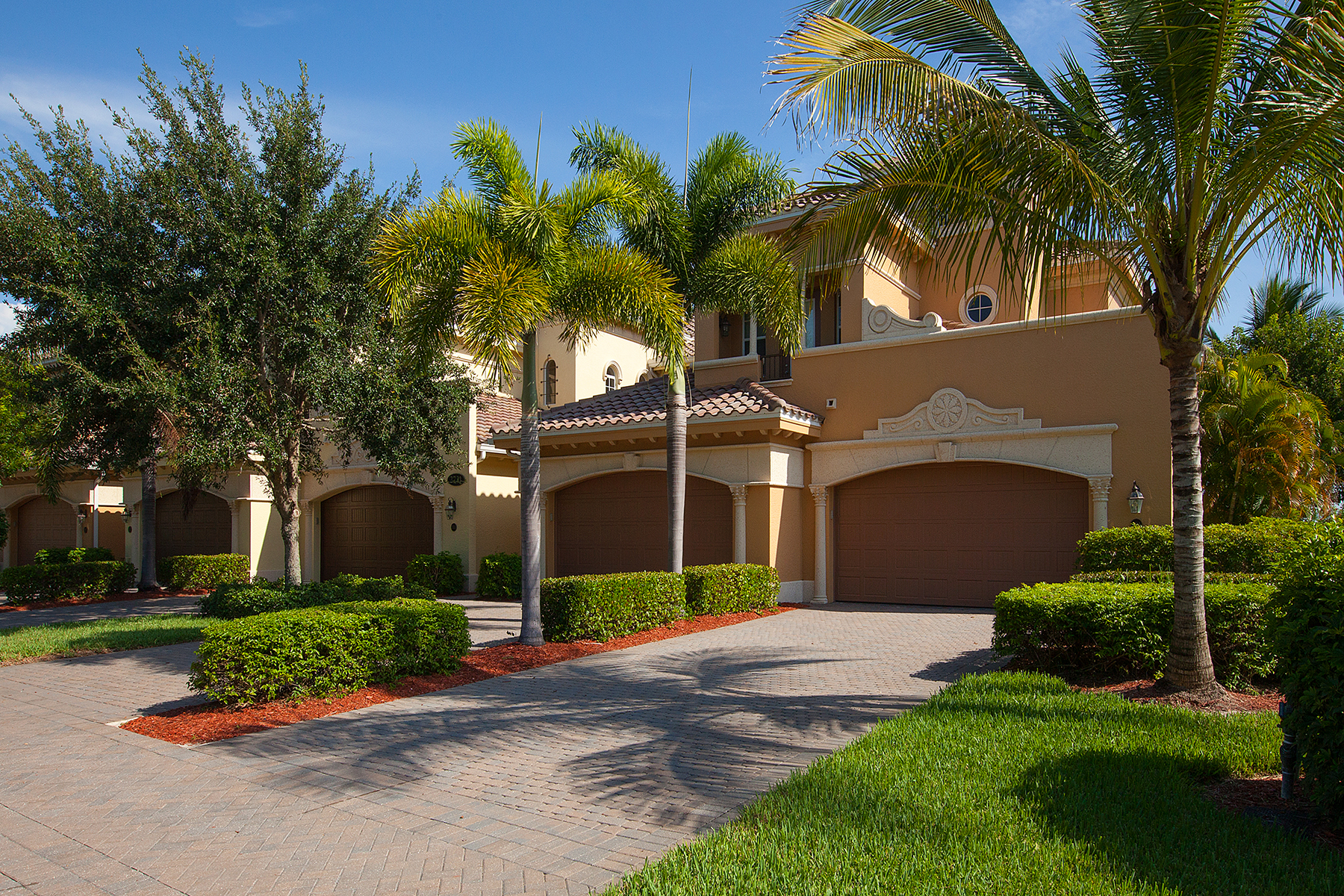 Condominio por un Venta en FIDDLER'S CREEK - CALLISTA 2731 Aviamar Cir 104 Naples, Florida 34114 Estados Unidos