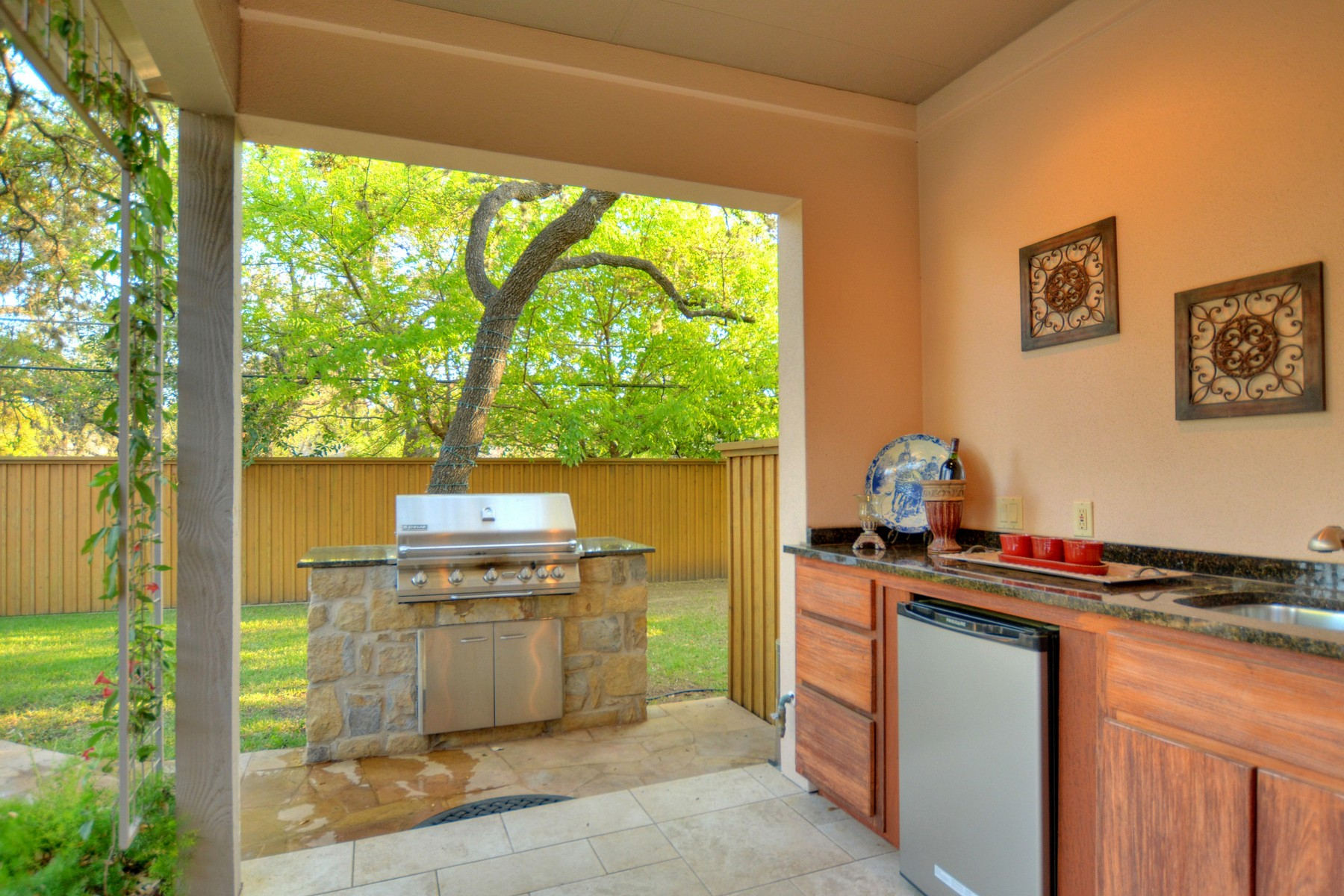 Additional photo for property listing at Award Winning Remodel Down to the Studs! 4509 Small Dr Austin, Texas 78731 United States