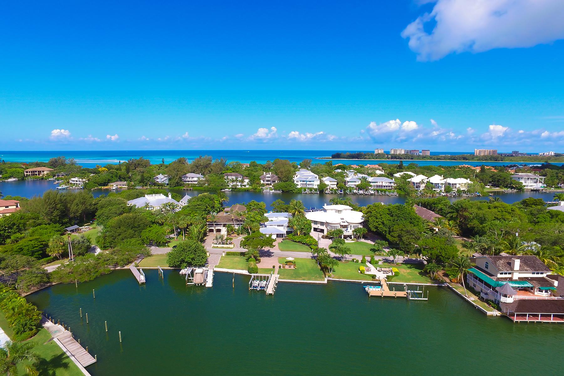 Maison unifamiliale pour l Vente à SIESTA KEY 4044 Roberts Point Rd Sarasota, Florida, 34242 États-Unis