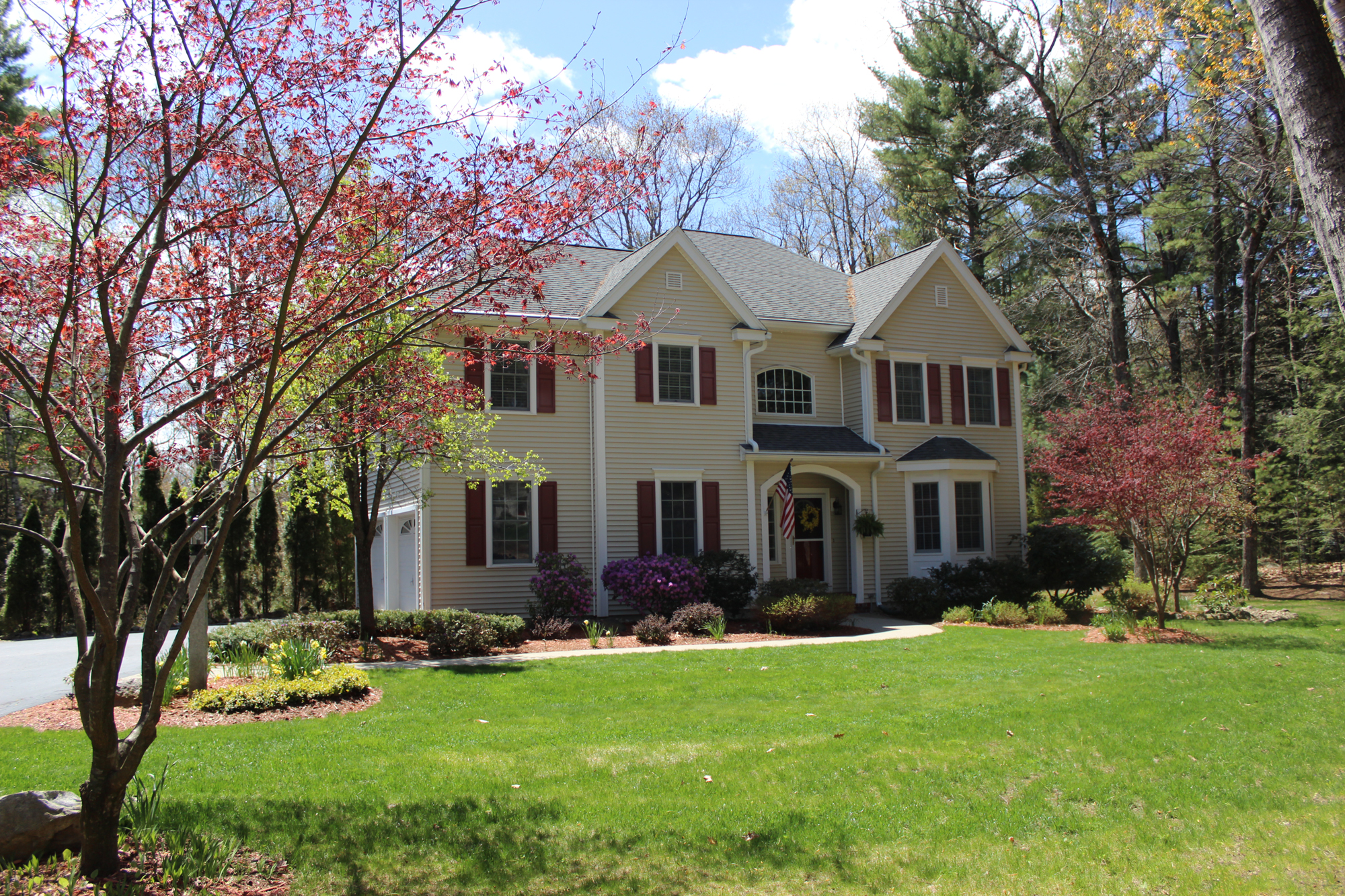 Single Family Home for Sale at 51 Dunlap, Bedford 51 Dunlap Dr Bedford, New Hampshire, 03110 United States