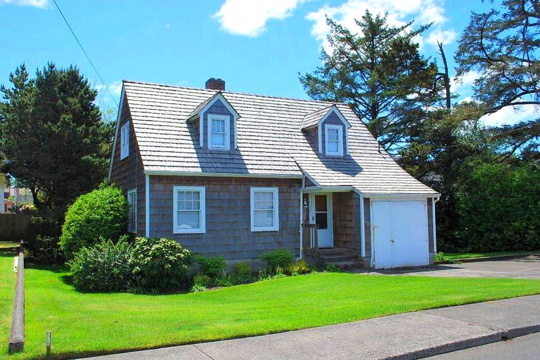Single Family Home for Sale at 435 4th AVE, SEASIDE Seaside, Oregon, 97138 United States