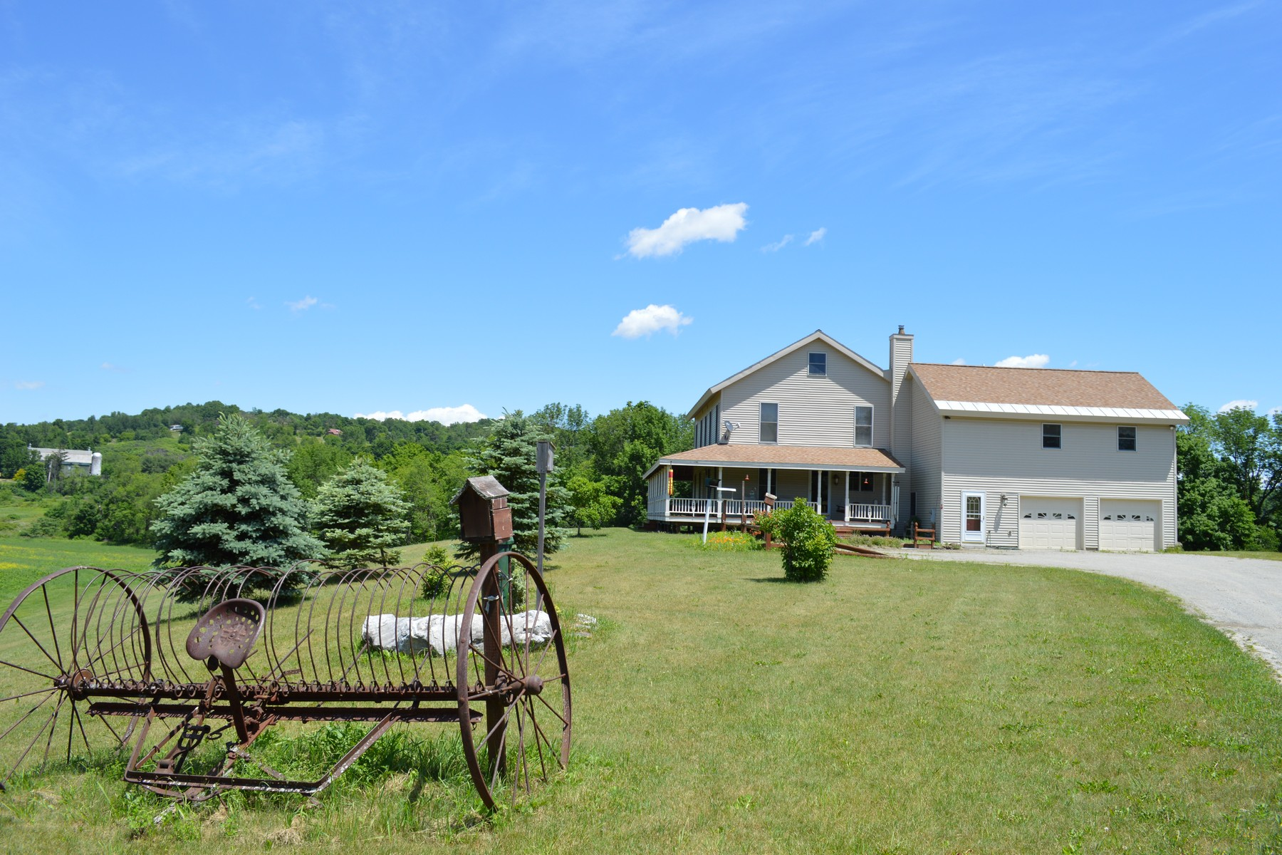 Single Family Home for Sale at Country Colonial with Organic Farm 40 Woodell Rd Middle Granville, New York 12849 United States